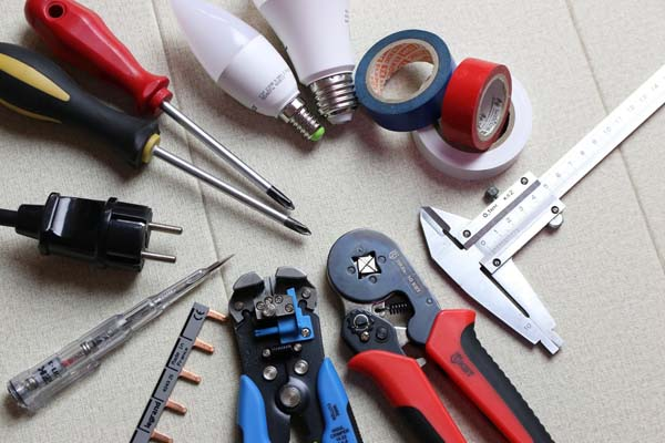 Best Electrician Tools Sets