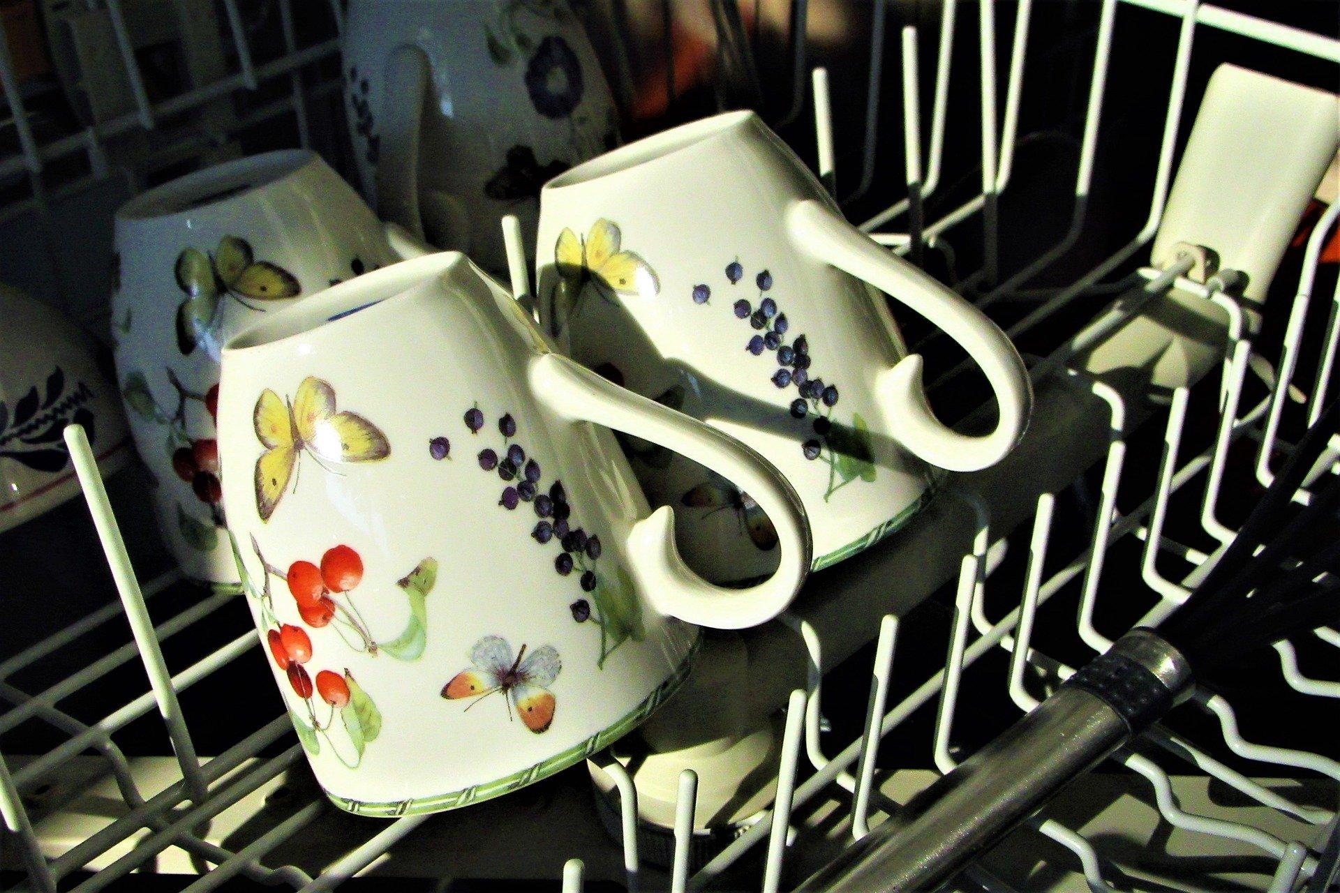 mugs in dishwasher