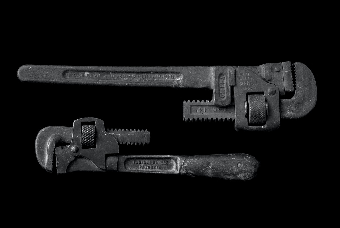 ways to use pipe wrench